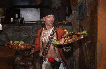 Originální středověká večeře