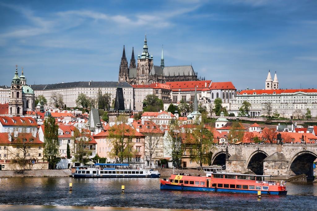 Media Prague Bus Tours