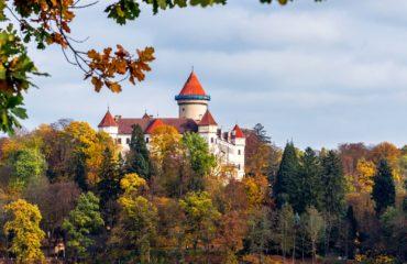 Schloss Konopiště (dt. Konopischt) und Burg Karlštejn (dt. Karlstein)